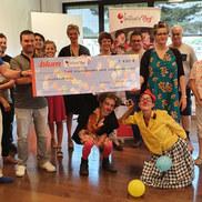 Blum France remet un chèque de 7 450€ au profit de ...