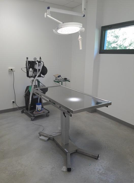 Salle opération vétérinaire