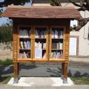 Rumilly : Inauguration de la seconde boîte à livres